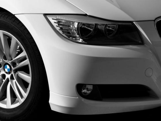 E90 LCI white close-up