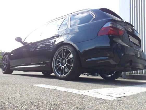 BMW_335i_hintenschräg.jpg
